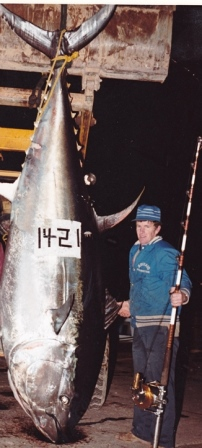 Captain Stevie with 1421 lb bluefin tuna he caught in 1981 - the world record is 1496 lbs